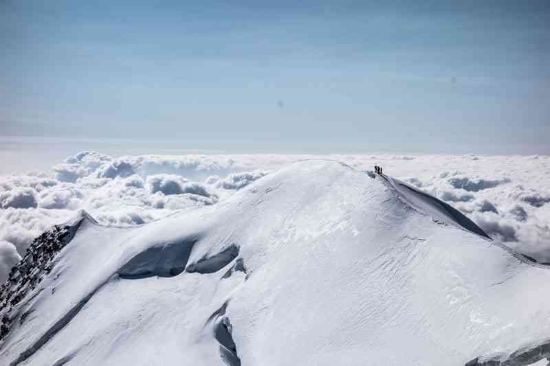 Snowy Ridge of Castor