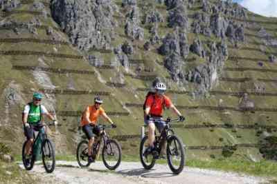Auffahrt mit E-Bike