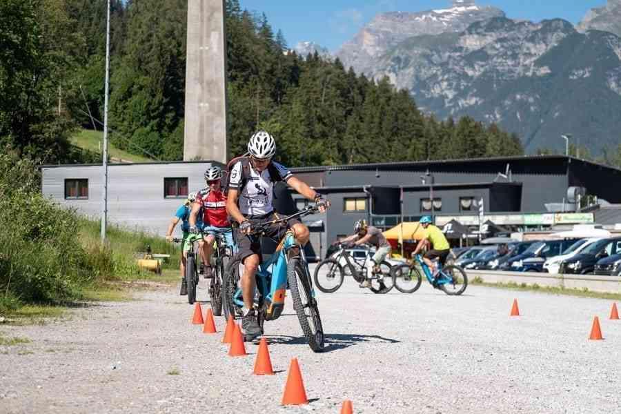 Fahrtechnik Slalom MTB