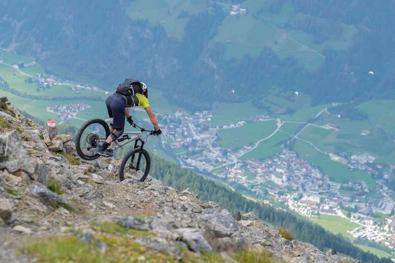 Spitzkehre in alpinem Gelände
