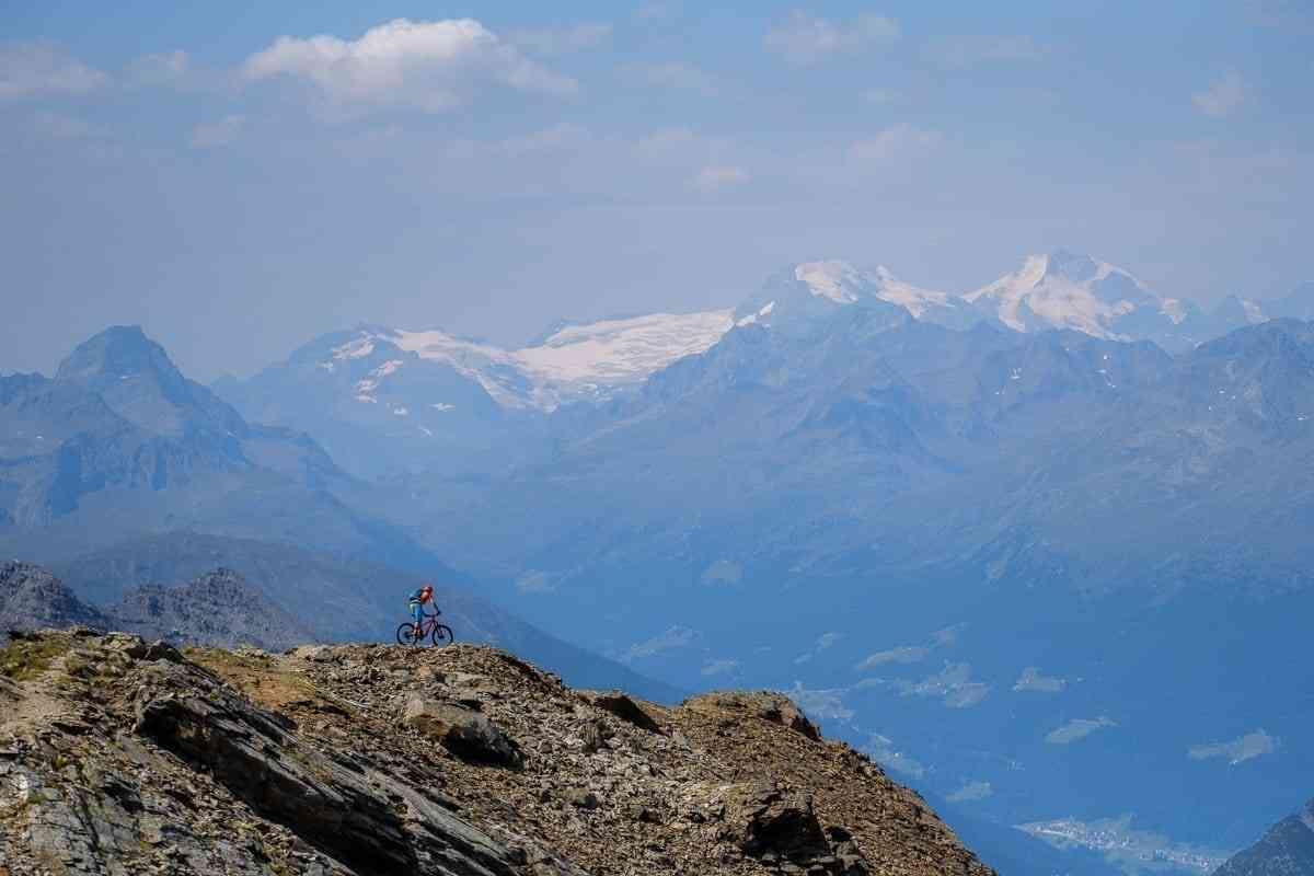 MTB Trail mit Bernina Blick
