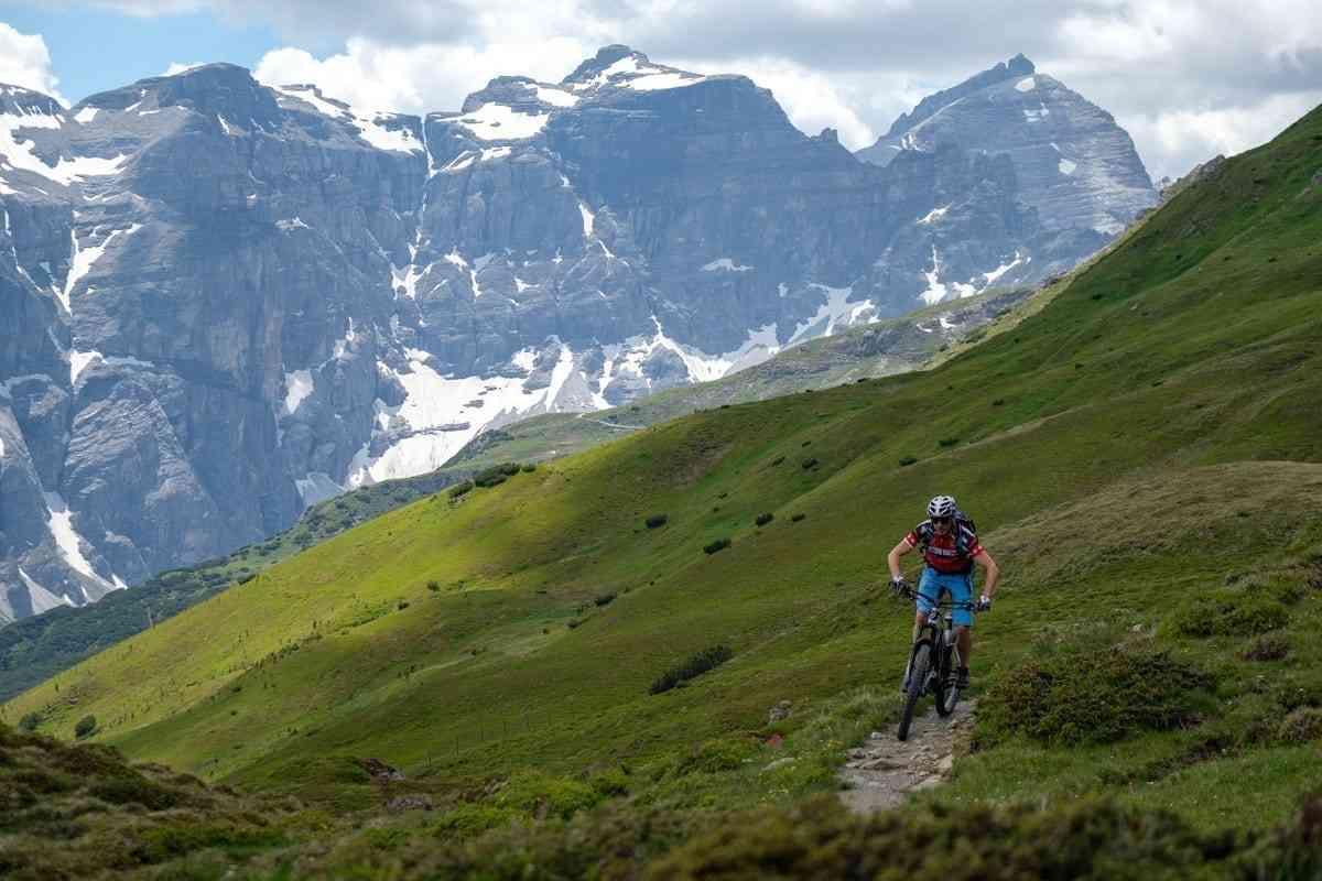 Mountainbiker am Trail