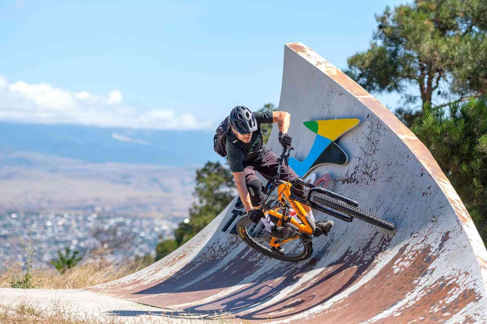 Tiflis Wall Ride